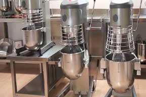 گروه تولیدی صنعتی پویا صنعت امیدوار است در راستای کمک به اقتصاد خانوادهها و همچنین کمک به صنعت آشپزی ایران بتواند گامی بلند و موثر را بردارد. اولین و مهم ترین هدف این گروه در کوتاه مدت این است که بتواند به عنوان برترین تولید کننده تجهیزات آشپزخانه صنعتی و رستوران در ایران شناخته شود.